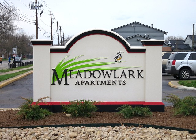 Meadowlark Apartments Signage