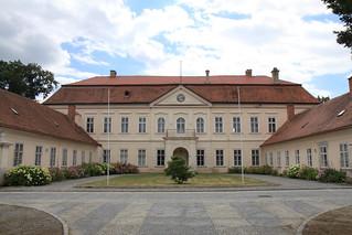 Bild av zámek Dukovany. efs1755