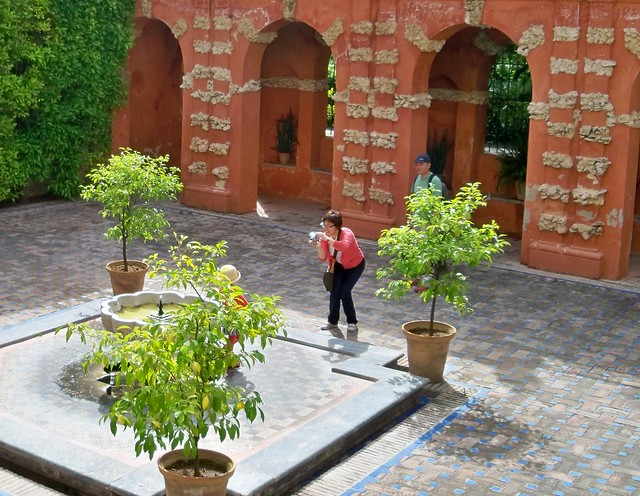 Spain (Sevilla) Good memory for her daughter at Alcazar Palace
