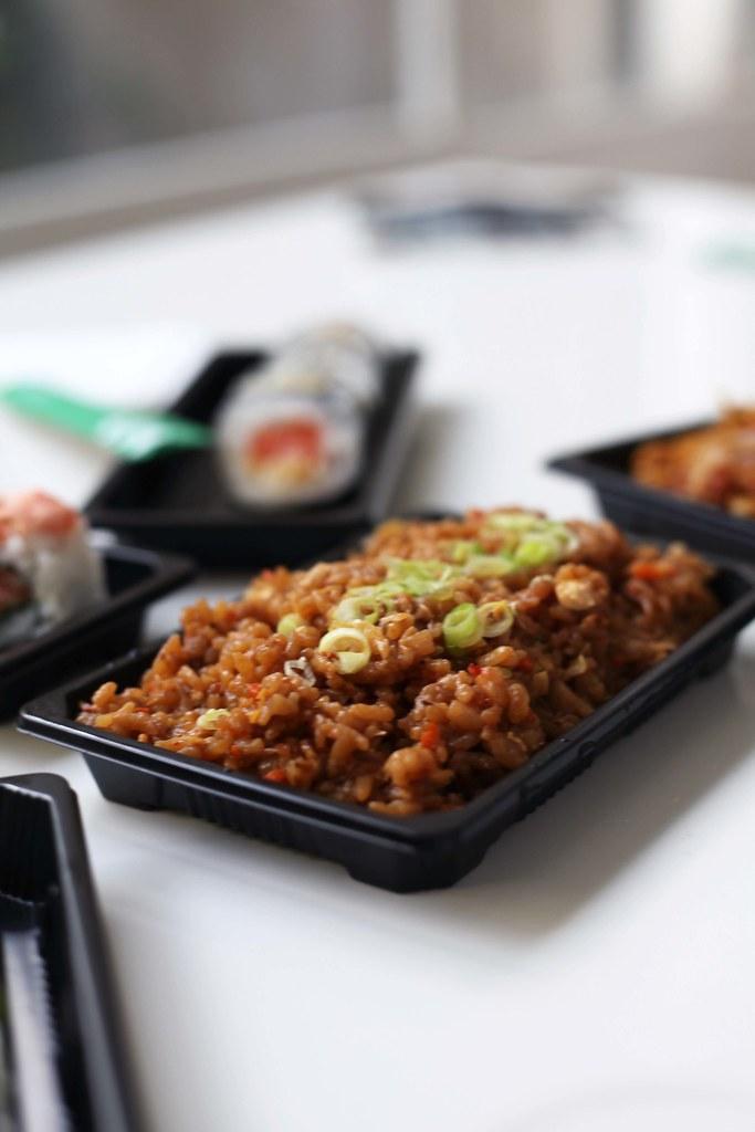 instamaki comer sushi en Barcelona telefono de contacto