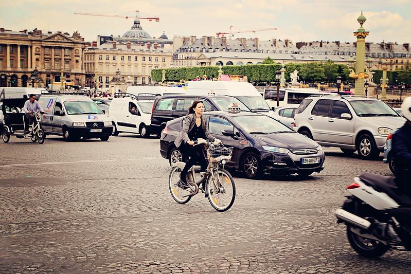 Bicyclist at the Place de la Concorde