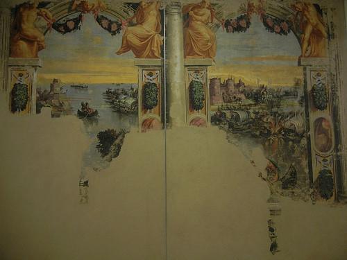DSCN3370 _ Affreschi staccati da palazzo Torfanini, Ruggero volge lo scudo contro la flotta di Alcina (l), Niccolò dell'Abate, c 1548-50; Battaglia fra la flotta di Logistilla e quella di Alcina (r), Niccolò dell'A