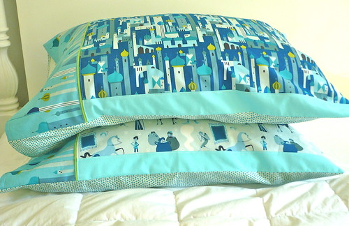 Pillowcases for my grand niece Helen, age 6. Her favorite colors are indigo and aqua. The cases have solid borders since I did not have enough