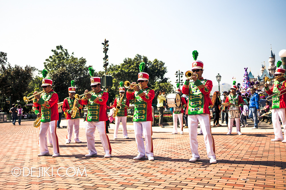 HKDL - Main Street USA Christmas Town - Main Street Band