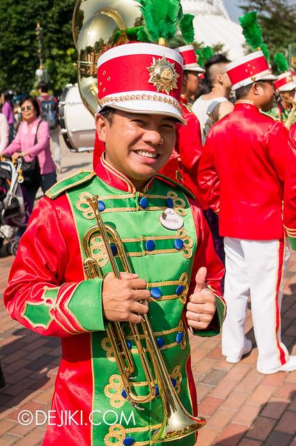 HKDL - Main Street USA Christmas Town - Main Street Band 3