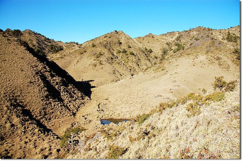 望崖山下看天池