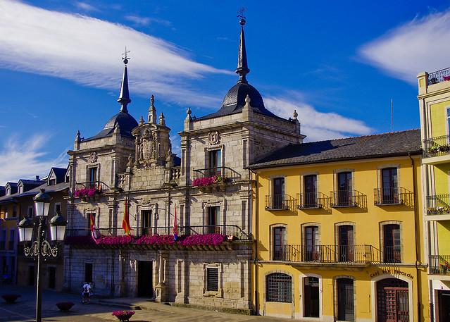 Ajuntament de Ponferrada / Ponferrada town hall