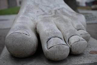 Billede af Kaiserthermen. sculpture statue deutschland foot big europeanunion trier rheinlandpfalz kaiserthermen 54290 kaiserstrase mittegartenfeld