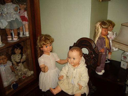 Les poupées de ma maison  11368103514_81a5aed727
