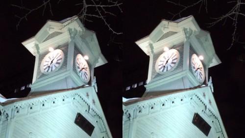 [Daily Cha cha S3-D] Sapporo Clock Tower Tonight.  Cross eye.  今夜の札幌時計台、 交差法。