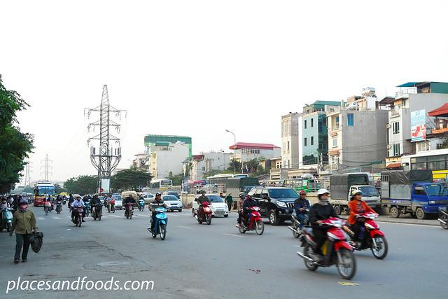 hanoi bizarre traffic