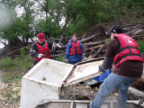 Leavenworth & Weston Missouri River Clean-up 6-7-14