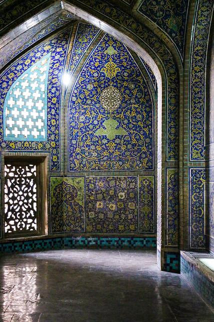 Corridor of Sheikh Lotfollah mosque, Isfahan イスファハン、マスジェデ・シェイフ・ロトゥフォッラーの廊下