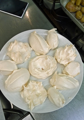 Meringues for Pavlova