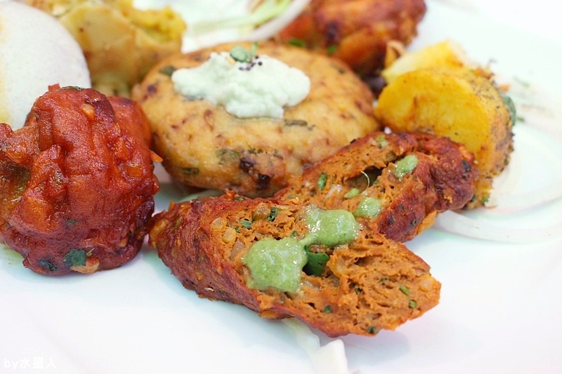 30259094773 d7d73f1514 b - 熱血採訪 | 台中西區【斯里瑪哈印度餐廳】印度人開的全印度料理,正宗道地美味,推薦必點印度烤餅、印式棒棒腿
