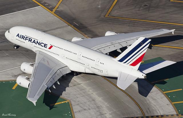 Air France A380-800 F-HPJF