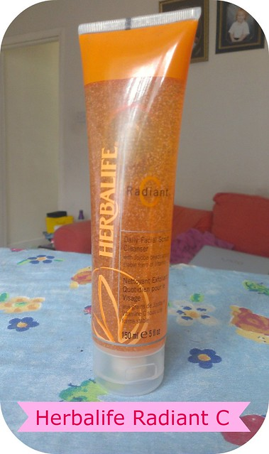 Herbalife Radiant C Exfoliating Daily Facial Cleanser