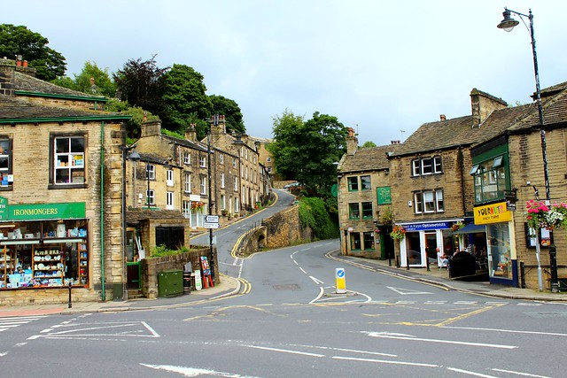 winding_road_holmfirth