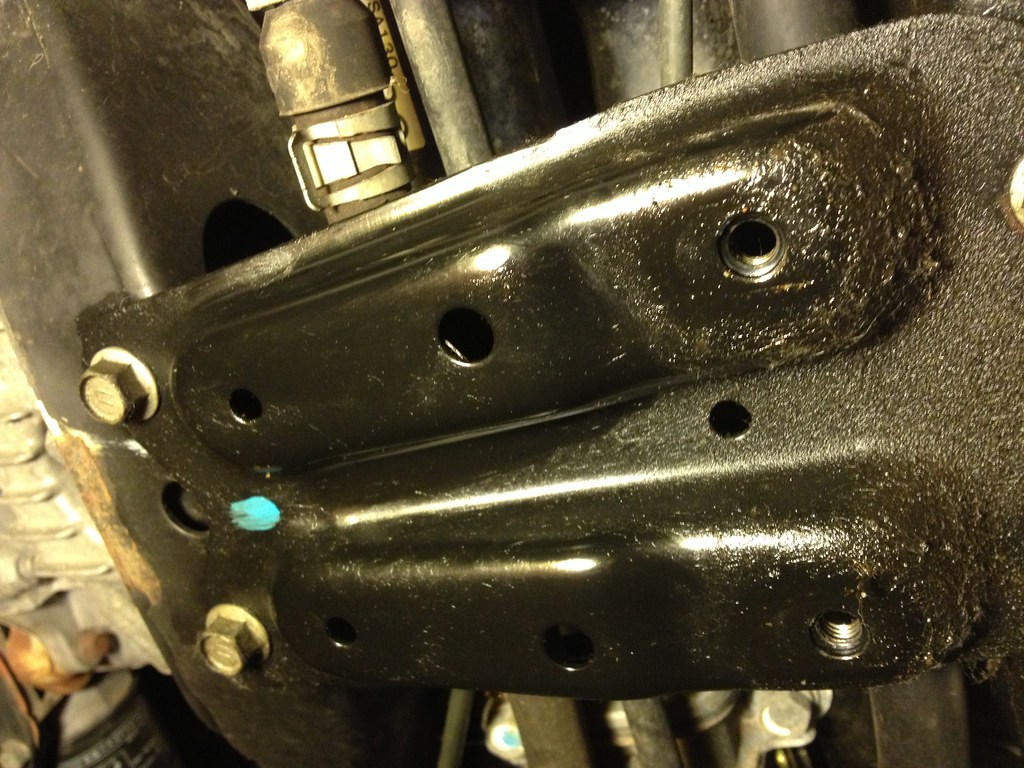 06 08 Oil leak under the engine possible head gasket