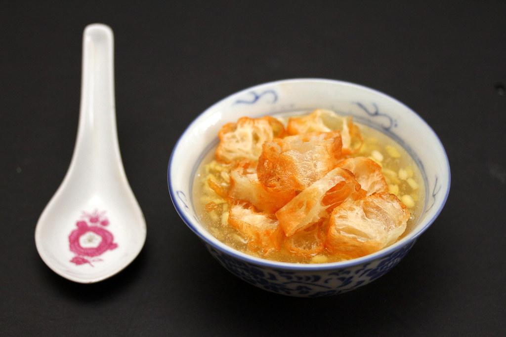 Tau Suan (Mung Beans Dessert)