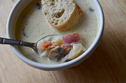 Easy Mushroom Soup (with potatoes and carrots)