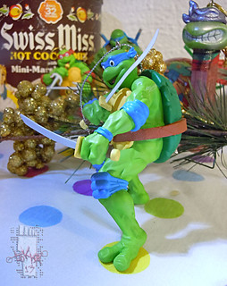 "AMERICAN GREETINGS :: TEENAGE MUTANT NINJA TURTLES - ""Leonardo"" Ornament v (( 2013 ))"