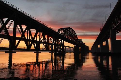 northerncalifornia sunrise dawn benicia beniciabridge solanocounty carquinezstrait beniciawaterfront beniciarailroadbridge