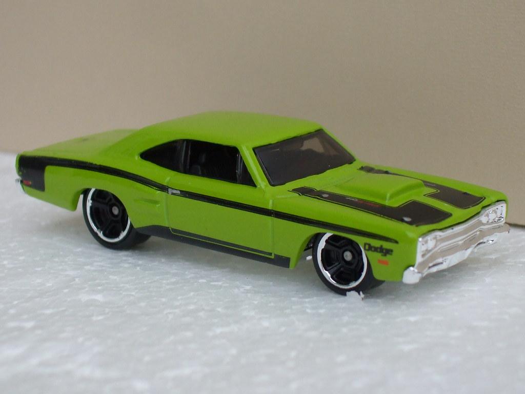 hot wheels 1969 dodge coronet super bee muscle car