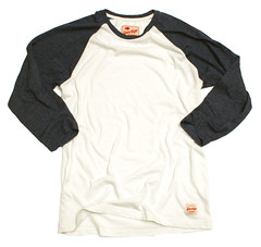 BLACK OATS RAGLAN