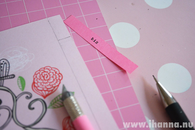 Cut out a divider page for your calendar