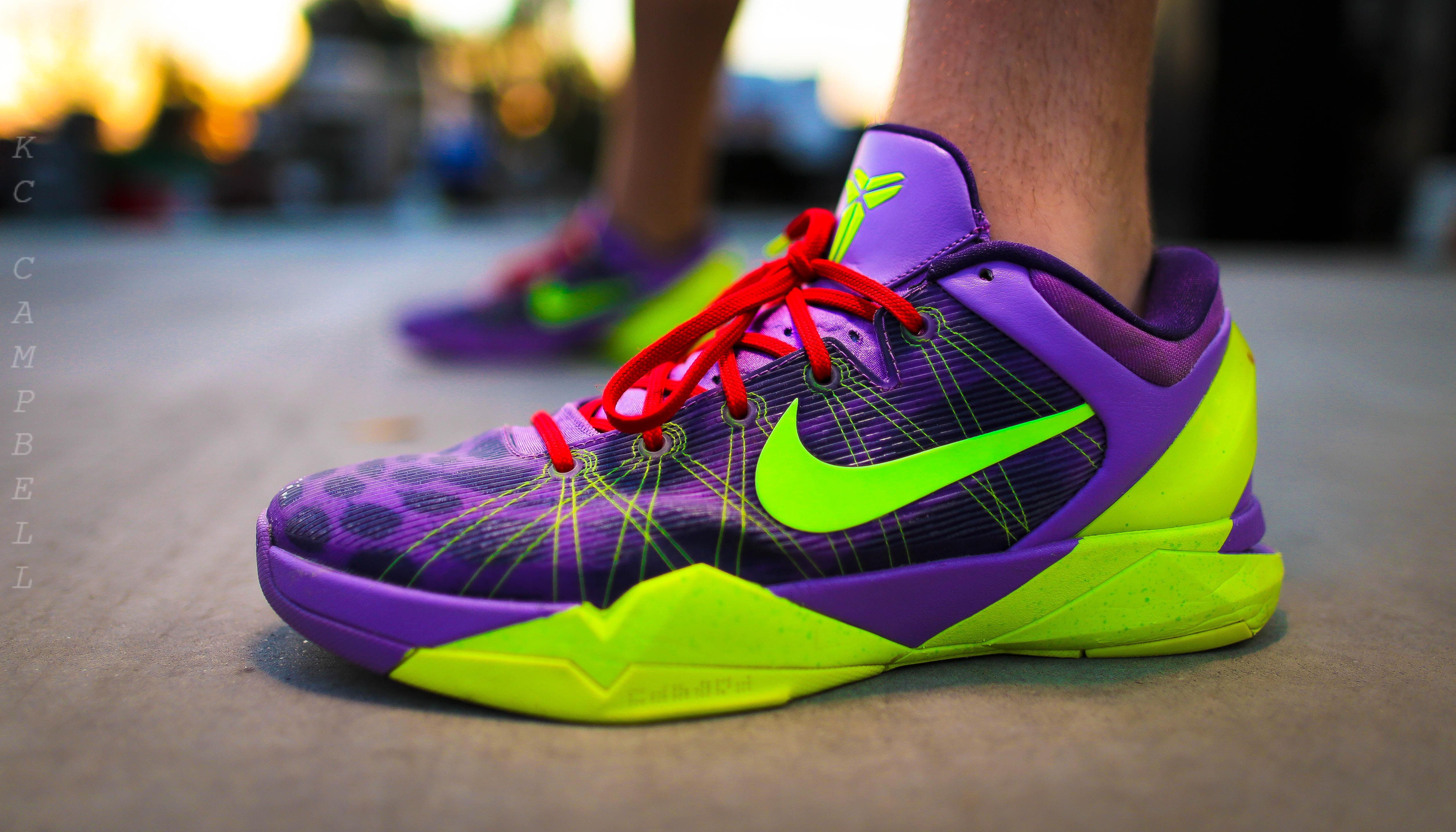 4718f1488632 ... Kobe 7 Christmas Shoes Nike Kobe 7 Christmas ...