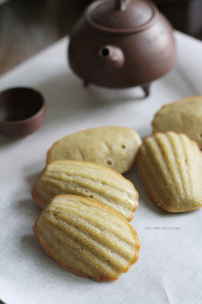 12632988553 696450392e b - My not-so-green Green Tea Madeleines and my blogger blues