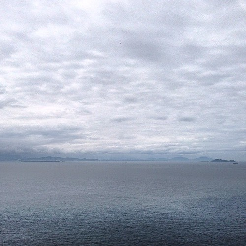お天気は曇り、遠く向こうは北九州