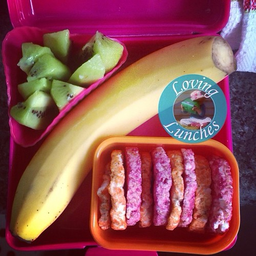 Loving the accidental rainbow in Honey's snack box today…