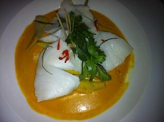 Lubina con la salsa thai Tom Yam