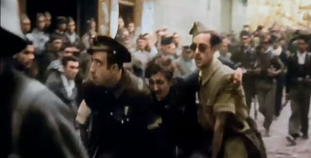 Herido republicano en Zocodover. Captura de un vídeo real a color de la Guerra Civil en Toledo en el verano de 1936