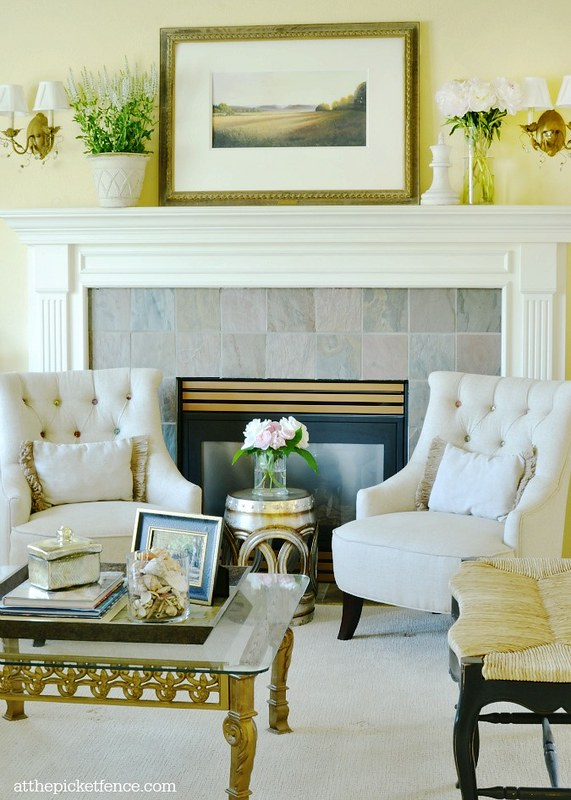 living-room-summer-decor-atthepicketfence.com_