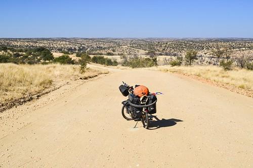 C28 route dans la région montagneuse de Khomas, Namibie