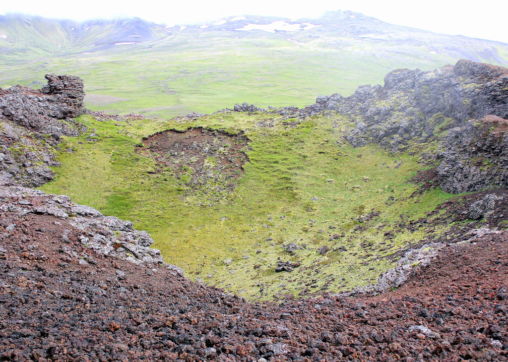 snaefellsnes-peninsula-snaefellsjökull-glacier-volcano-crater