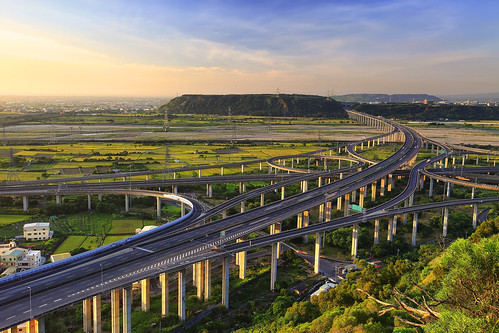 bridge sunrise canon landscape highway day taiwan getty taichung express 台灣 建築 風景 gettyimages interchange 台中 清水 攝影 交流道 國道 三號 四號 5d2 清水交流道 chingshuei hybai pwpartlycloudy