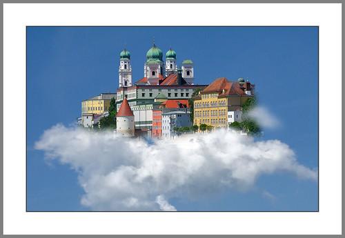 Weiß-Blauer Bayerischer Himmel  (White-blue Bavarian heaven)