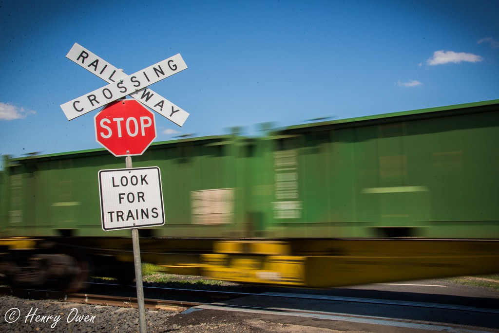 Look For Trains by Henry Owen