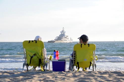 """Roman Abramovich's 115m """"Luna"""" in Venice Beach"""