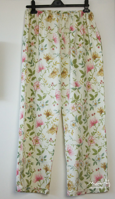 Pyjama bottoms from flannel sheet