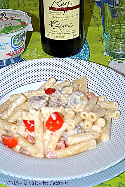 Sedani rigati con salsiccia di Norcia, ricotta di bufala e pomodorini (7)
