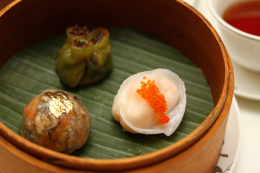Dim Sum High Tea at Cassia, Capella Singapore: the Steamed Vegetables Dumpling with Black Fungus and Mushrooms (水云苋菜饺), Steamed Lobster Dumpling with Gold Flake (金箔龙虾饺), & Steamed Seafood Dumplings with Golden Pumpkin Sauce (翠绿海鲜饺)