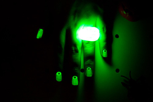 Halloween Nail Art Tutorial Glow in the Dark Polish