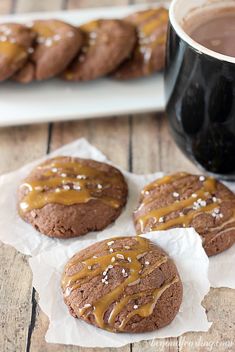 Salted Caramel Hot Chocolate Cookie | beyondfrosting.com | #cookieweek #christmascookie #saltedcaramel