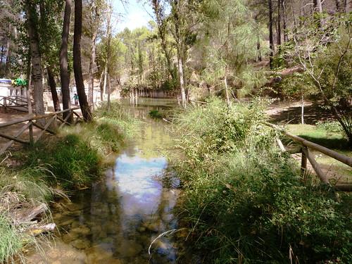 Erholungsgebiet am Ortsrand von Siles Pena del Olivar