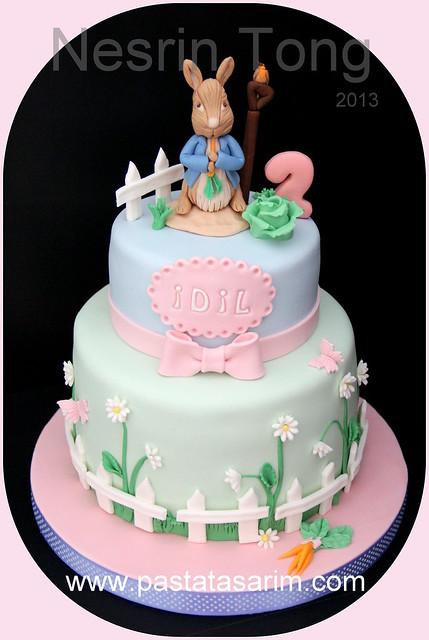 peter rabit cake